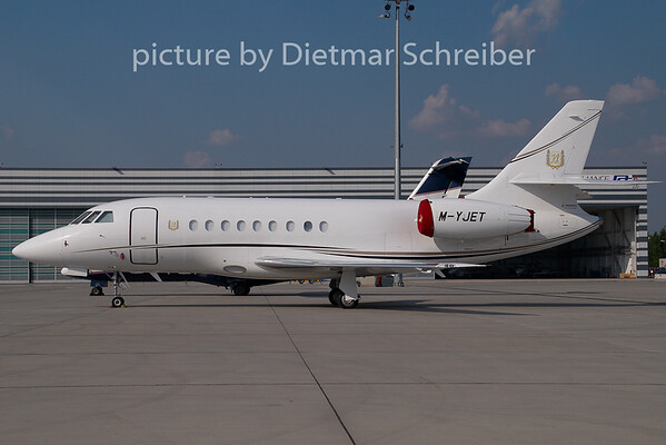 2009-05-03 M-YJET Falcon 2000