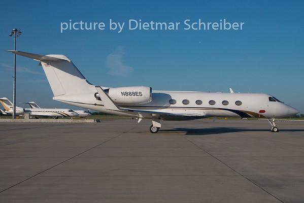 2009-05-17 N888ES Gulfstream 4