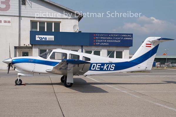 2009-05-04 OE-KIS Piper 28