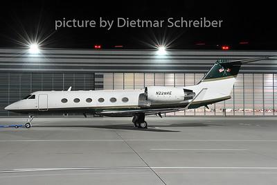 2011-12-20 N228RE Gulfstream 4