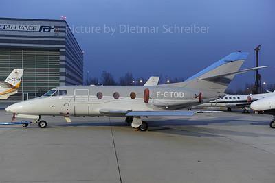 2013-11-19 F-GTOD Falcon 10