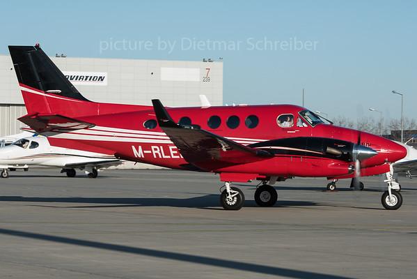 2015-12-30 M-RLEE Beech 90 King Air