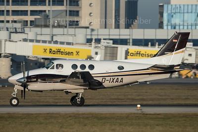 2015-12-26 D-IXAA Beech 90 King Air