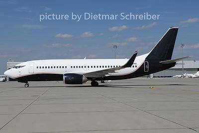 2019-07-17 G-SWRD Boeing 737-300 2Excel Aviation