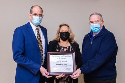 011421 Gordon Center Dr Motola Award-103