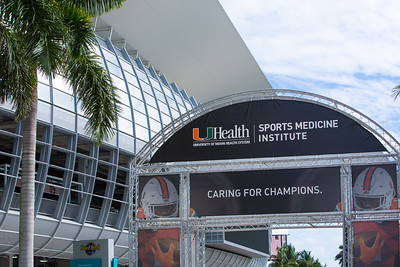 11-24-18 UHealth Sports Medicine Fan Zone-102