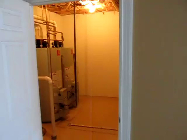 SOUTH UTILITY ROOM