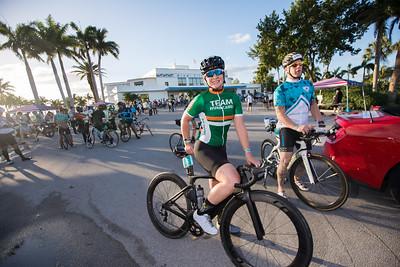 SDE-2-11-17 Dolphins Cancer Challenge DCCVII-112