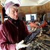"Robert Bellows talks about some of the welding  techniques he used in making the rooster.<br /> Robert Bellows has spend 11-months working on a sculpture of a rooster,  made from farm implements, that will be placed outside Alfalfa's Market in Boulder.<br /> For more photos of the rooster and a video, go to  <a href=""http://www.dailycamera.com"">http://www.dailycamera.com</a>.<br /> December 9, 2011 / Cliff Grassmick"
