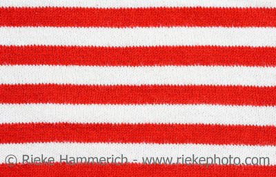red and white striped fabric - plain knitting - adobe RGB