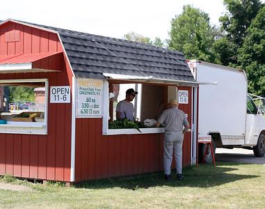 Benmont produce in Bennington. 071216