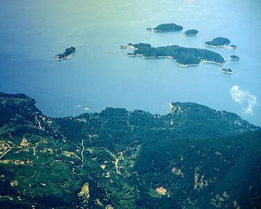 Tunstall Bay aerial slgt crp flt sm jpg 8x10LR