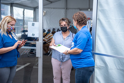 Broward Health Vaccination Distribution Fort Lauderdale (110 of 40)