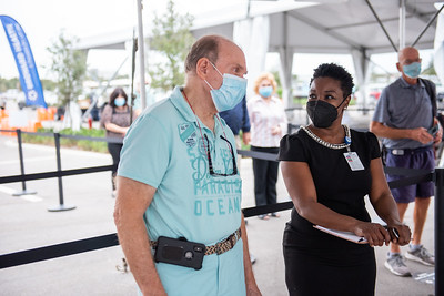 Broward Health Vaccination Distribution Fort Lauderdale (100 of 40)