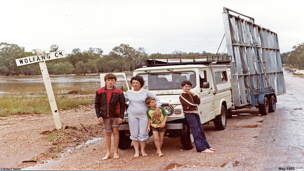 A one night and one day trip to Mackay to collect the shed frames, roofing and roller door, became a five day, stranded by flooded creeks saga. Here we spend three days and nights because the Wolfang Creek is flooded with the bridge well under water. So close to Clermont but can't get there. Lucky that Blait Athol (Clermont) miners brought us cooked mince