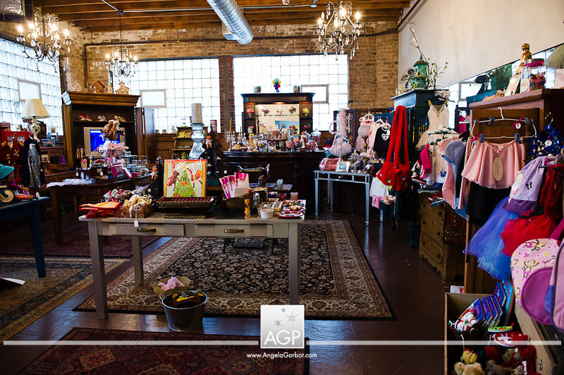 "2012-12-01<br /> CRAVE Chicago | Holiday CRAVE-ings 2012<br /> Chicago, IL<br /> <br /> Photographs of the CRAVE Chicago Holiday CRAVE-ings Shopping Event held at Belle Plaine Studio in Chicago.<br /> <br /> CRAVE Chicago:<br /> <a href=""http://thecravecompany.com/chicago/"">http://thecravecompany.com/chicago/</a><br /> <br /> 2012 Holiday CRAVE-ings event info:<br /> <a href=""http://thecravecompany.com/chicago/events/holiday-craveings-2012/"">http://thecravecompany.com/chicago/events/holiday-craveings-2012/</a><br /> <br /> Venue: Belle Plaine Studio<br /> <a href=""http://www.belleplainestudio.com"">http://www.belleplainestudio.com</a><br /> <br /> All images © 2012 Angela B. Garbot<br /> <a href=""http://www.AngelaGarbot.com"">http://www.AngelaGarbot.com</a>"