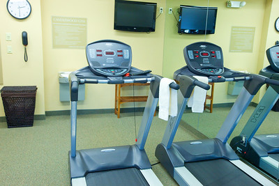 CANDLEWOOD SUITES FORT MYERS Gym000