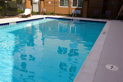 CANDLEWOOD SUITES FORT MYERS Pool002