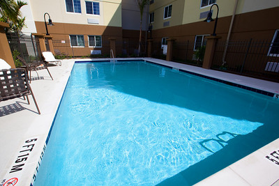 CANDLEWOOD SUITES FORT MYERS Pool004