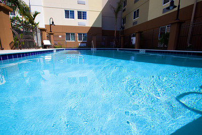 CANDLEWOOD SUITES FORT MYERS Pool005