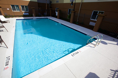 CANDLEWOOD SUITES FORT MYERS Pool008