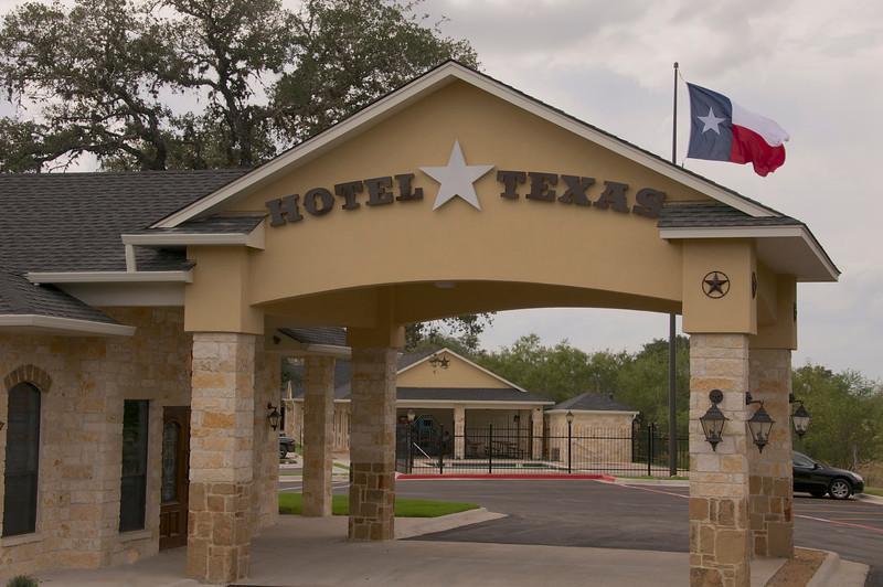 Hotel Texas Cuero  Opened November 2012