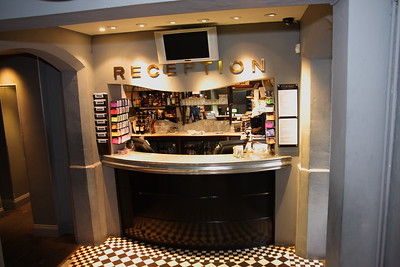 Lounge benedenzaal  Everyman Cinema