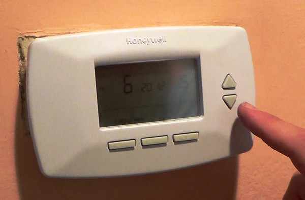 Program the new Thermostat