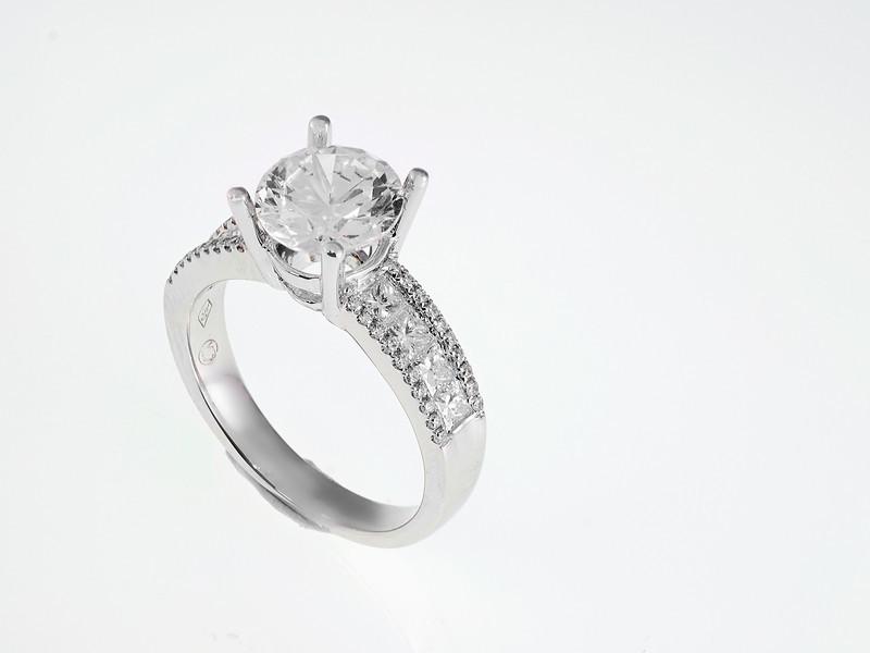 Grandis Jewelry