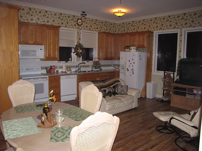 Sitting area - Dining - TV with DVD... Dish Network 200+ channels Green Acres Garden B&B - Luxury in the country! Private Cottage on Lake Lavon...