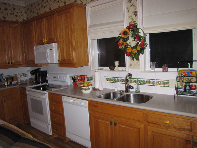 Modern kitchen Green Acres Garden B&B - Luxury in the country! Private Cottage on Lake Lavon...