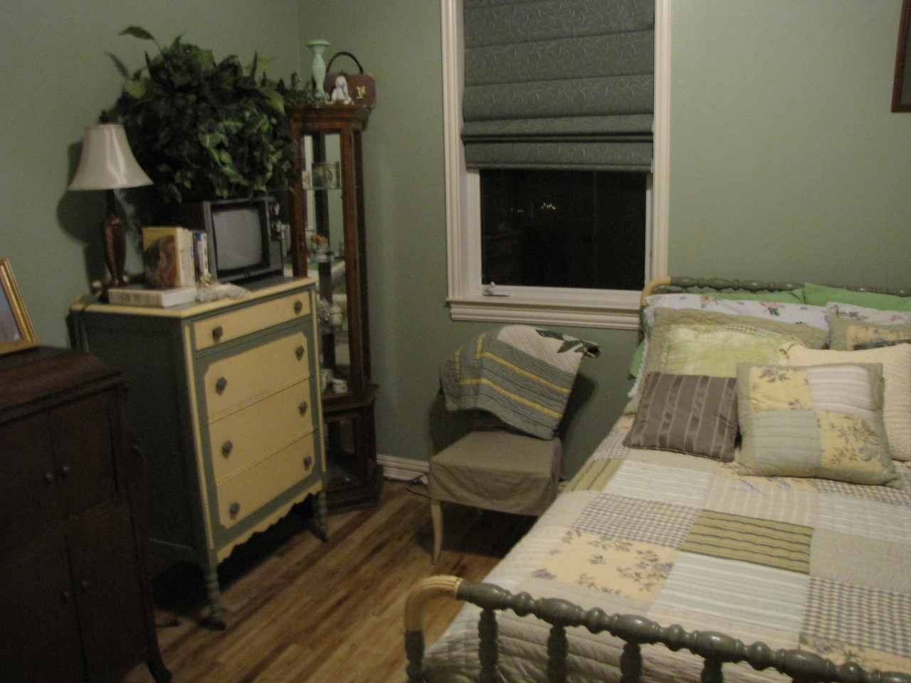 Sage room alternate pic Green Acres Garden B&B - Luxury in the country! Private Cottage on Lake Lavon...
