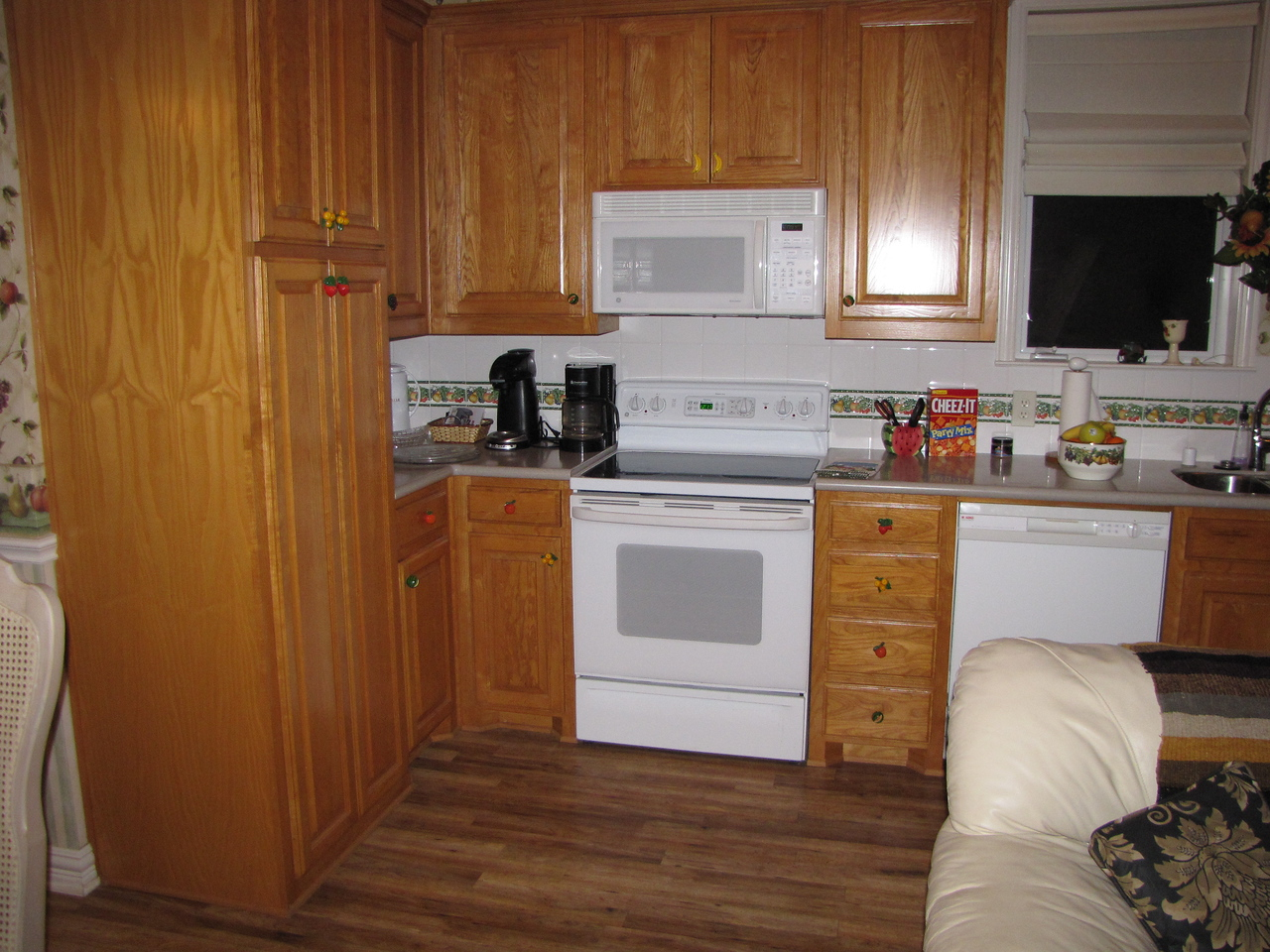 FUlly stocked kitchen! Green Acres Garden B&B - Luxury in the country! Private Cottage on Lake Lavon...