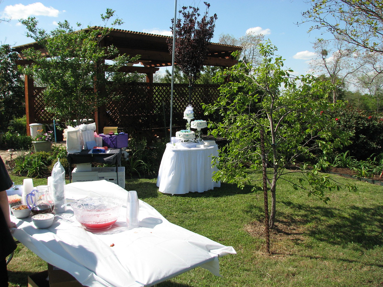 Wedding at Green Acres!! Green Acres Garden B&B - Luxury in the country! Private Cottage on Lake Lavon...