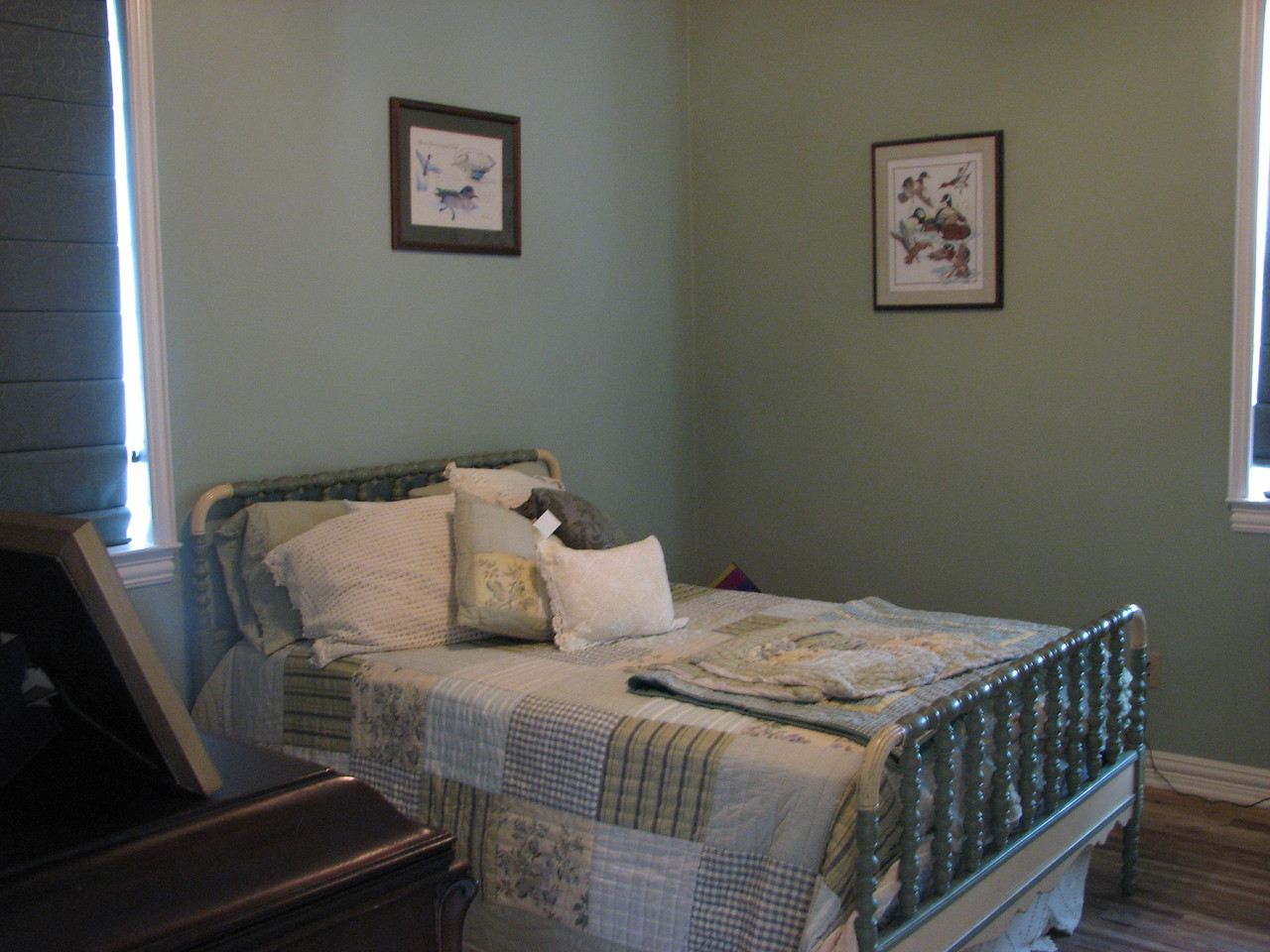 Sage Bedroom Green Acres Garden B&B - Luxury in the country! Private Cottage on Lake Lavon...