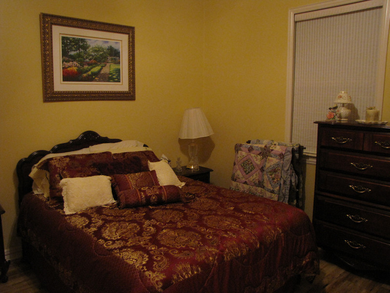 QUeen size bed, lots of storage Green Acres Garden B&B - Luxury in the country! Private Cottage on Lake Lavon...