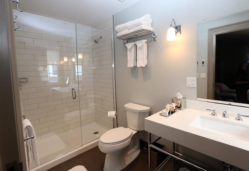 . Groton Inn reopens. Bathroom in a third floor guest room. (SUN/Julia Malakie)