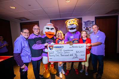 111619 Hockey Fights Cancer-174
