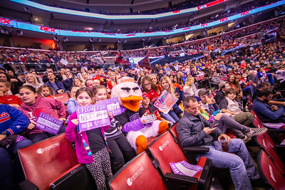 111619 Hockey Fights Cancer-178