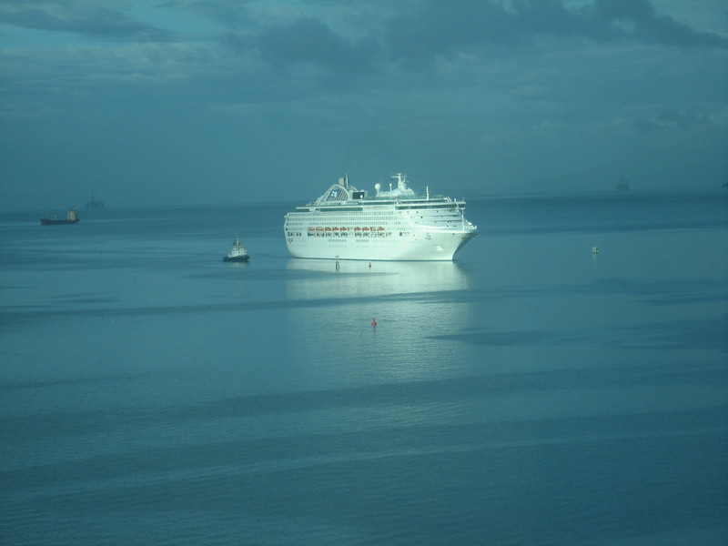 CRUISE SHIP ARRIVING AT PORT