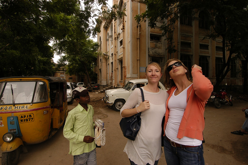 Detgen and Alison, again with kid in tow, before we hop in our cab to go back to the hotel