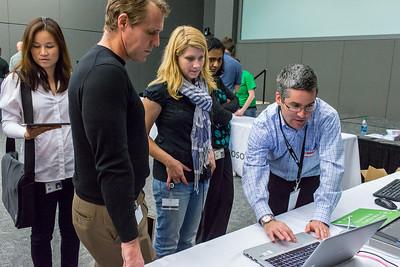 Jeff Erbstein (Microsoft) demonstrates Windows 8 on the new EliteBook Folio 9470m Ultrabook.