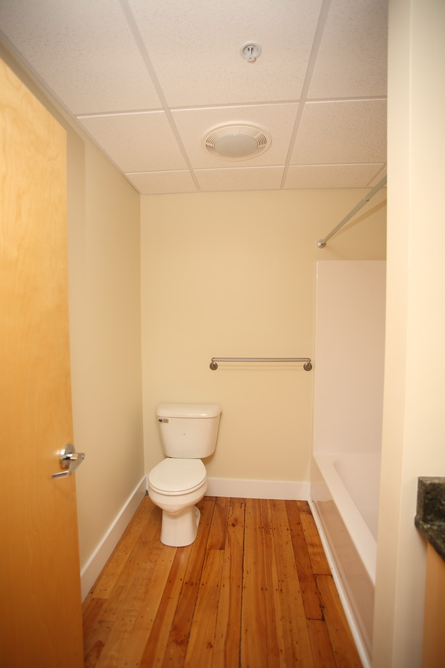 North Dam Mill apartments - Bathroom.