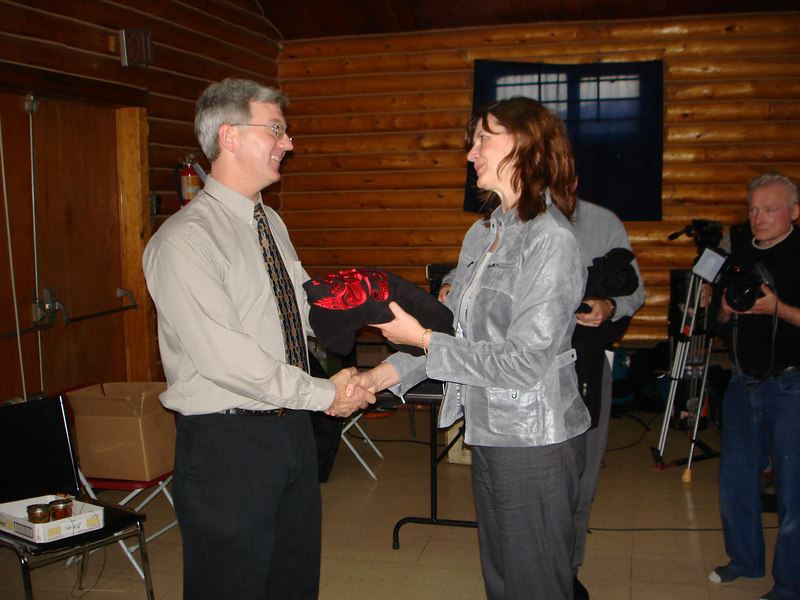 Stuart Simpson, Project Coordinator, receiving a gift from BC Hydro.