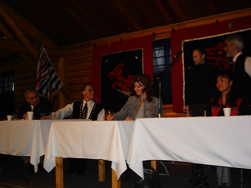 Donia Snow from BC Hydro at the signing ceremony. On far her left is Roy Bird from INAC (Yukon Regional Director General). Next to him is John Ward, the President of Taku Lands Corporation. On her right is Sandra Jack, Spokesperson from the Taku River Tlingit First Nation.