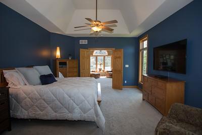 Master bedroom-0431