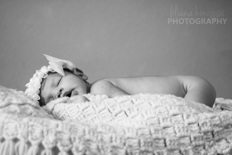 <b>Newborns</b>  * Start at $100 for two hours of shooting with breaks for baby * Unlimited outfit changes * Different props or backdrops * Baby will be given breaks to not be stressed out * In my home or yours * Also available outdoors, but indoor is recommended  * 20   professionally edited digital negatives with logo on a gallery * CD available for an additional fee  Logo removal $20 extra. Print packages available.