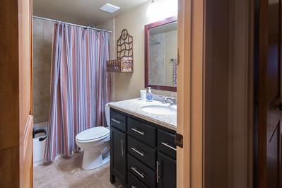 2nd floor full guest bath
