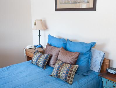 Second bedroom - denim and ski themed