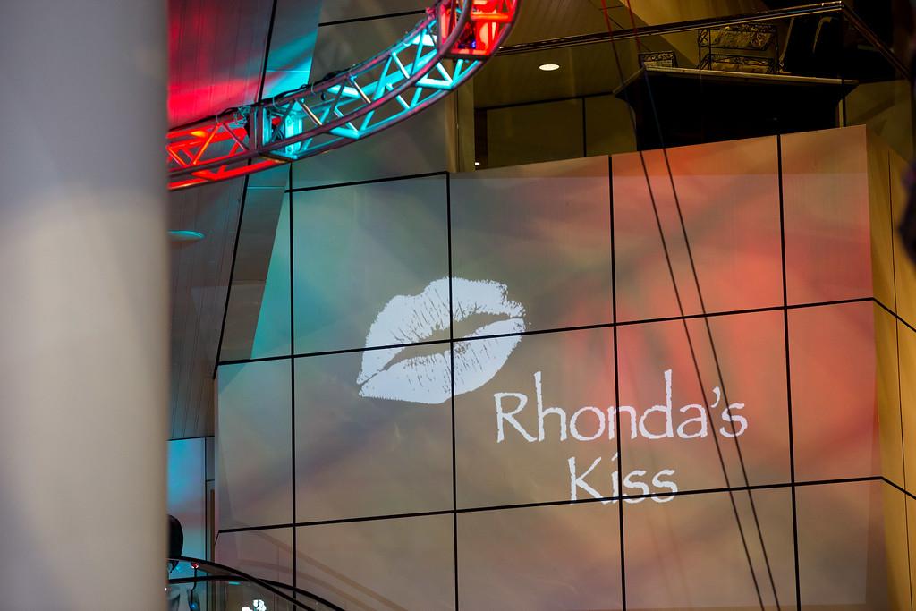RhondasKiss_5D3A-5978